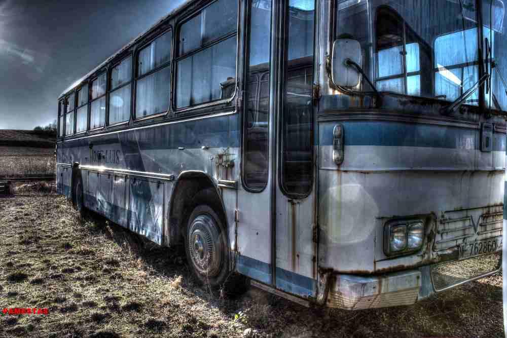 Deposito de antiguos Autobuses. (2/6)