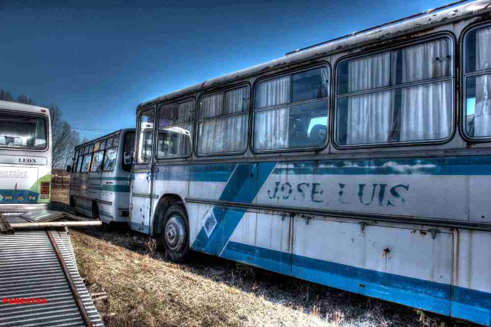 Deposito de antiguos Autobuses. (3/6)