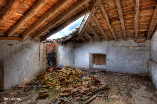 Roof collapsed. Abandoned building