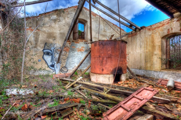 Deposit, Abandoned building