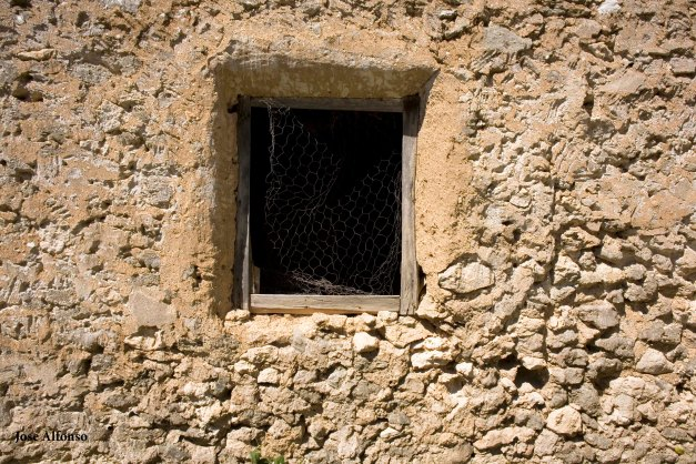 Poblado de Oreja, toledo, Spain. Window, abandoned building