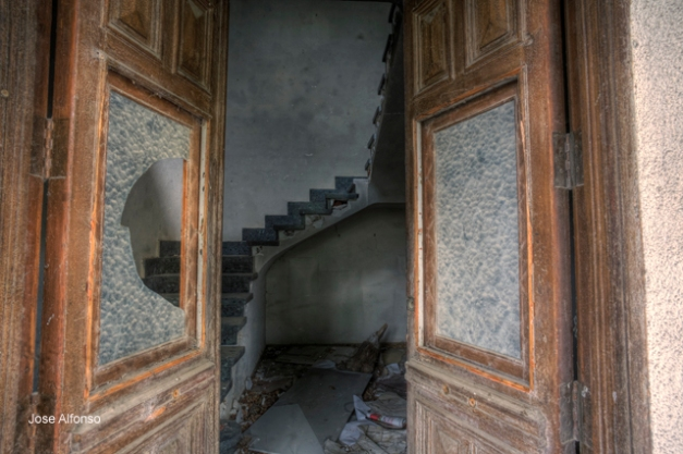 Abandoned house, Madrid, Spain
