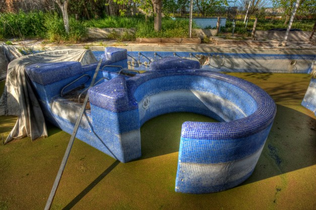 Jacuzzi, Abandoned water park